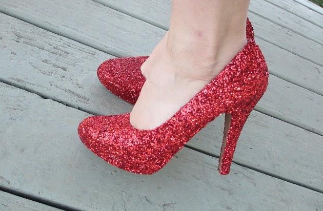 Como-fazer-sapatos-com-gliter